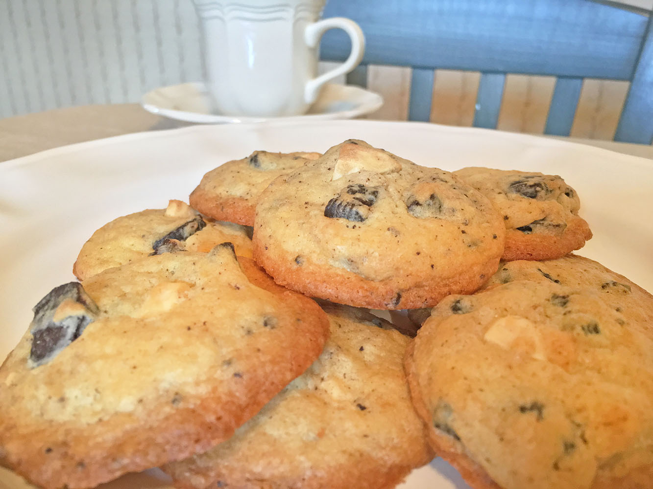 Chocolate Creme and White Chocolate Chip Cookies with Cafe